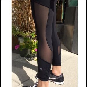 ⭐️Lululemon Seek the Heat Rare Crop Black